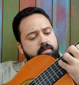 O chorão e professor da Oficina de Choro da UCAM, Rúben Pereira, é editor da Revista do Choro (www.revistadochoro.com).